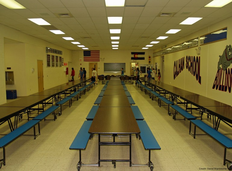 1280px-Calhan_Colorado_High_School_Cafeteria_by_David_Shankbone