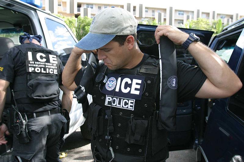 800px-US_Immigration_and_Customs_Enforcement_SWAT