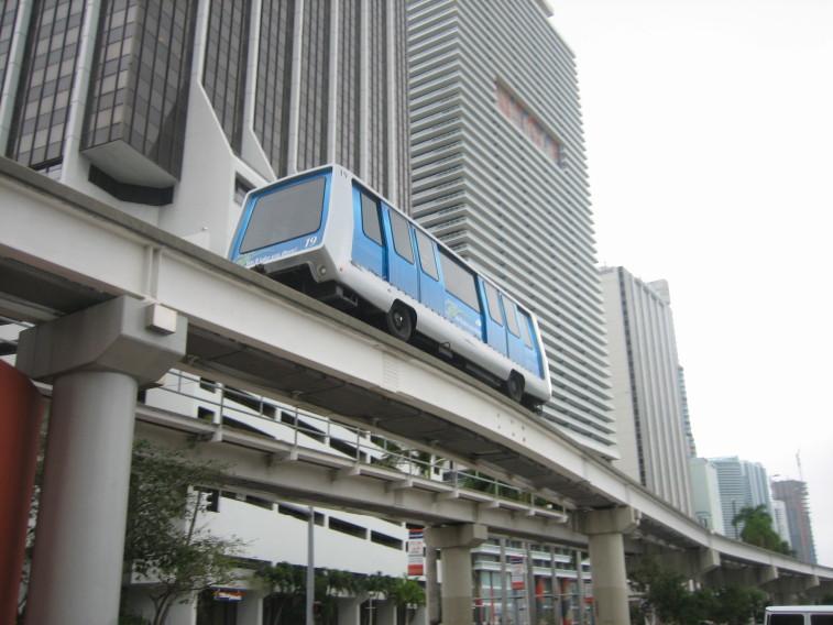 Miami-Dade_Metromover