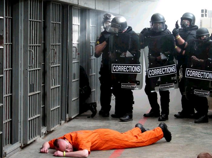 Prison_Tactical_Team