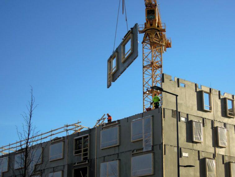 construction_site_building_vantaa_finnish_to_build_a_machine_crane_high-652891.jpg!d