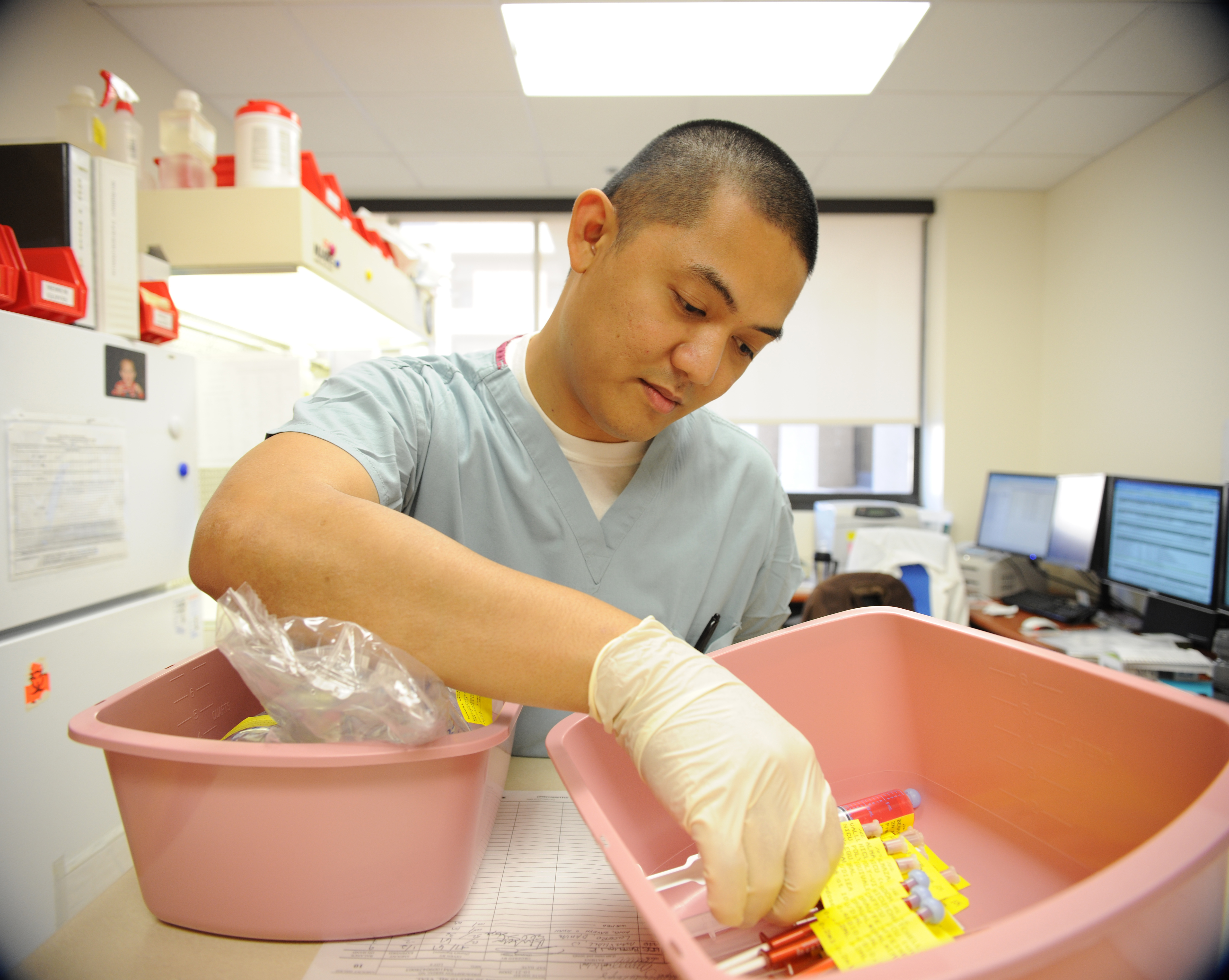 100112-N-6326B-025